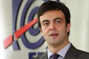 ЕПС: Лакше мало са узимањем тих кредита неће то тата да вам враћа, дугујете преко 800 милиона евра па би још кредит од 200 милиона евра?!