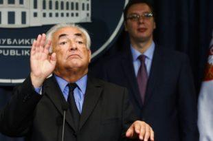 """Влада не жели да открије број """"сарадника"""" који раде у кабинету Александра Вучића"""