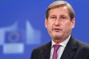 СМРАДОВИ! Европски комесар Хан тврди да у Србији нема цензуре!