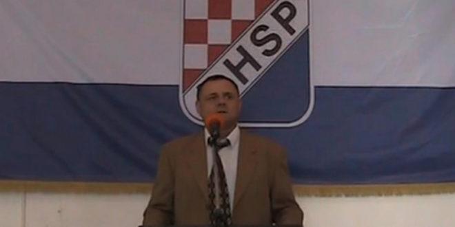 Усташе постројавају војску у Загребу 1
