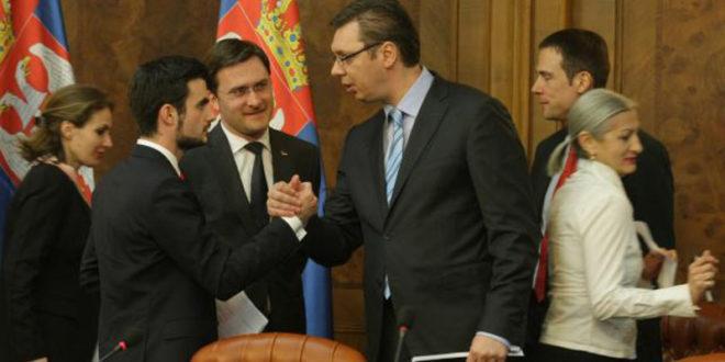 Вучићу, поднеси ОСТАВКУ и преузми ОДГОВОРНОСТ за довођење Лазара Крстића и губитак 783 милиона евра из народне касе!