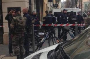 Муслиман исекао ножем три француска војника у Ници