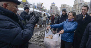Америка и ЕУ притискају Македонију: Или се договорите, или вам шаљемо Нуландову са сендвичима 10