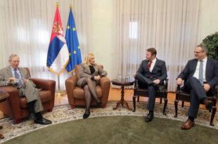 Кирби: Има важнијих тема од српске имовине на Косову