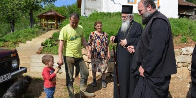 Епархија ваљевска помогла поплављене са 80 милиона динара
