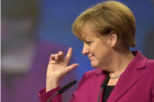 Меркелова се све више уплиће у лажи