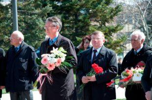 Представници Руског дома и Амбасаде Русије положили венце жртвама НАТО бомбардовања