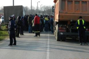 ПРОТЕСТ У КОСТОЛЦУ: Радници блокирали путеве према термоелектрани и коповима