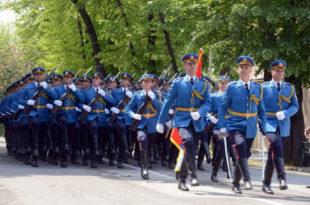 Гардисти спремни за параду победе у Москви