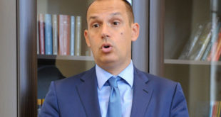 """ДСС: Лончар за Клинички центар у Нишу купује застарелу опрему и """"кревете на курблу"""" 3"""