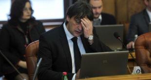 Јавна предузећа финансирала Гашићеву ТВ: Немају за сапун, а плаћају рекламе 12