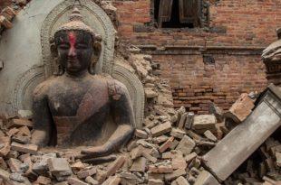 ПАНДЕМОНИУМ: Погледајте како је изгледао удар земљотреса у Непалу (видео) 10