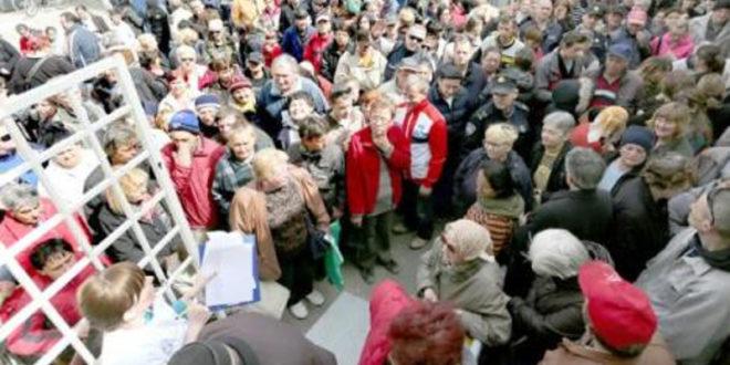 Хрватска: Стампедо гладних на отварању социјалне самопослуге у Осијеку 1