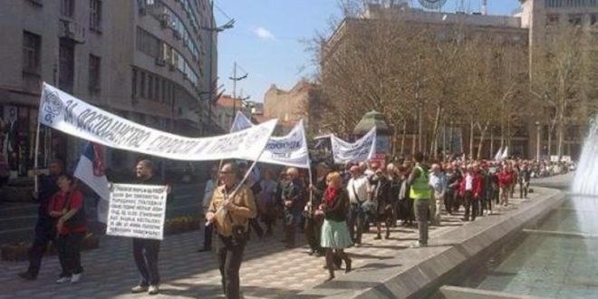 Зоран Ивошевић: Држава подвалама уништава пензионере - говор на протестном митингу пензионера 15. априла 2015.
