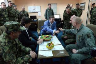 Вучићев режим крије тотално расуло у војсци и чињеницу да Србија де факто нема оружану силу способну да одбрани земљу и народ!