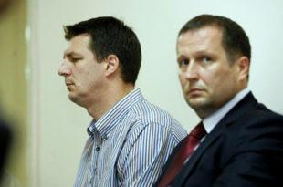 Уместо у копнену зону безбедности Вучић је брата Андреја послао у Привредни суд да лажно сведочи!