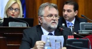 Каква бре финансијска консолидација, ниједан системски проблем српске економије нисте решили већ само пљачкате пензионере и раднике! 10