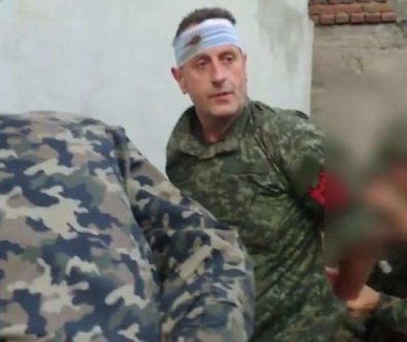 """Сами Ушкини """"Командант Сокољи"""" после заробљавања у Куманову"""