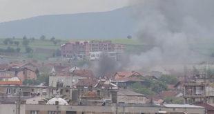 """Ексклузивно: Шиптарска терористичка група блокирана и опкољена у школи """"Вук Караџић"""" у Куманову 1"""