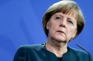 ВИШЕ НИЈЕ НА ПРВОМ МЕСТУ: Меркеловој вртоглаво опада популарност
