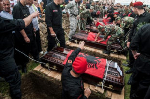 ТЕРОРИСТИЧКО ЛЕГЛО! Шиптари у Приштини испратили ликвидиране терористе из Куманова као националне хероје 10