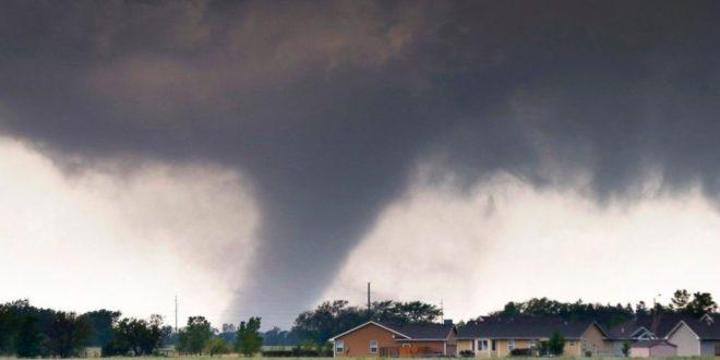 Десетине торнада харало Америком и носило све пред собом (видео)
