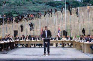 Колоне миграната са Блиског истока преко Бујановца и Прешева на путу за Београд