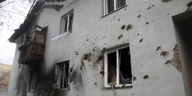 Војска украјинске наци хунте гранатира Донбас — нове жртве (видео)