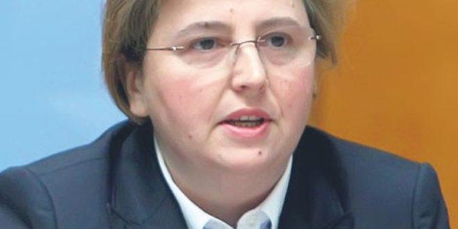 Влада наградила Загорку Доловац зато што је напунила орман са непроцесуираним кривичним пријавама припадника режима