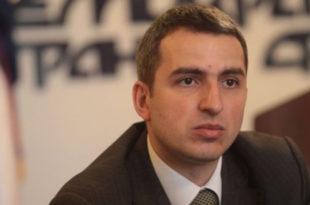 Путуј игумане! Председништво ДСС разрешило Андреју Младеновића