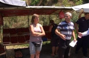 Напредно лудило! Комуналци забранили сељацима да продају воће крај Ибарска магистрале 9