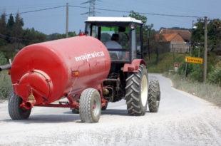 Критично у селима Горњег Јадра: Поцркаће и народ и стока