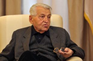 Професор Абрамовић: Добрица Ћосић није написао ниједну своју књигу! (видео)