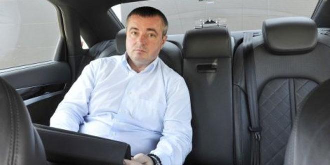 Бајатовић у 14 предузећа себи дао функцију, а својим људима и апанаже од 5 до 20 хиљада €!