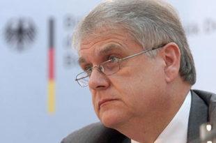 НЕМАЦ У ВЛАДИ СРБИЈЕ: Вучић за саветника узео бившег немачког амбасадора Волфрама Маса!