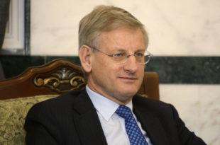 ШВЕДСКИ ПСИХОПАТА! Карл Билт предлаже етничко чишћење Донбаса