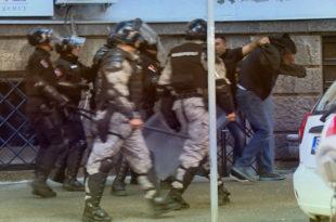 Жандарми тврде да је Вучићев или Малијев брат на њих потегао пиштољ 10