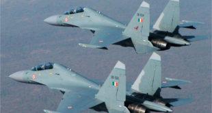 """ВЕЖБА: Индијски пилоти у руским сухојима """"СУ-30МКИ"""" одвалили од живота Британце у """"тајфунима"""" 2"""