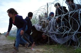 Мађарска полиција испалила сузавац на мигранте