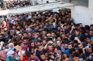 СТИЖЕ НОВИ АРАПСКИ ЦУНАМИ! Три милиона миграната чека да из Турске преко Бугарске дође у Србију