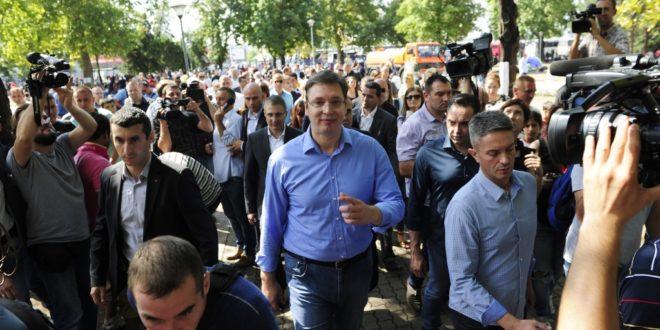 Вучић: Иако није чланица ЕУ, Србија је спремна да добије квоту за избеглице