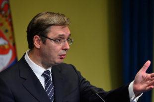 """ОВАЈ ДЕФИНИТИВНО НИЈЕ САМ У ГЛАВИ! Нико неће бацати сузавац на Србију а """"европске вредности"""" бранићемо и од Европске уније?!"""