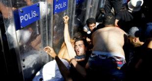 Сукоб полиције и миграната у Турској: Летела говна 1