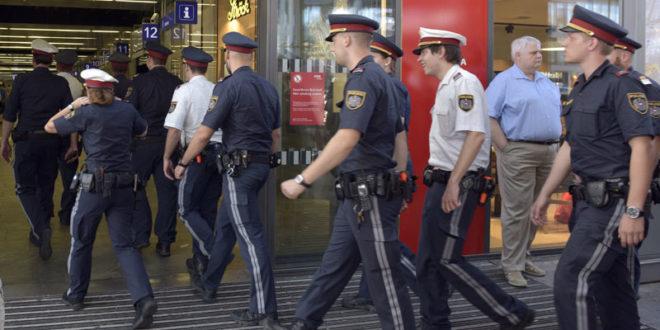 Мађари сити миграната и ЕУ тупана! Обуставили међународне возове и блокирали главну железничку станицу у Будимпешти!