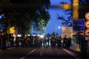 Хаос на Хоргошу: Прелаз затворен, препрека од лима (видео)