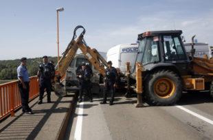 Због затварања граница у окружењу Србија дневно губи 21 милион евра