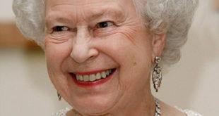 Да ли сте знали да енглеска краљица носи круну украдену од Руса? (фото)