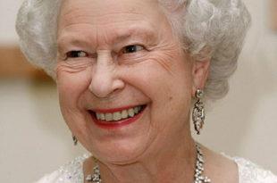 Да ли сте знали да енглеска краљица носи круну украдену од Руса? (фото) 2