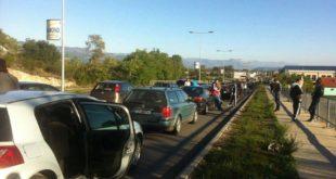 Црна Гора: На хиљаде аутомобила и аутобуса који су кренули на митинг опозиције у Подгорицу закрчили путеве 6