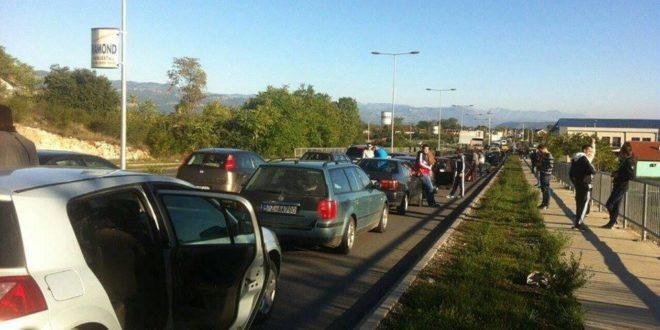 Црна Гора: На хиљаде аутомобила и аутобуса који су кренули на митинг опозиције у Подгорицу закрчили путеве 1